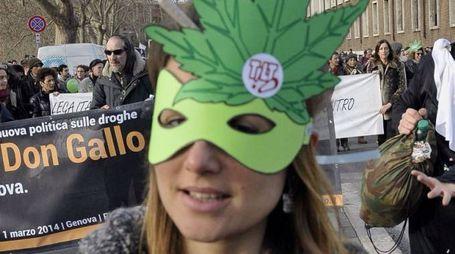 Una manifestazione per la legalizzazione della cannabis (Lapresse)