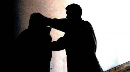Un'aggressione (foto d'archivio)
