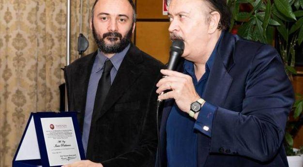 Il professor Mastronardi (con il microfono e l'ingegner Ivan Paduano