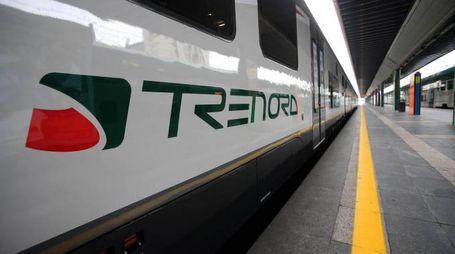 Un treno di Trenord (Ansa)