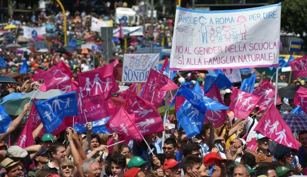Family day, manifestazione anti gender (Ansa)