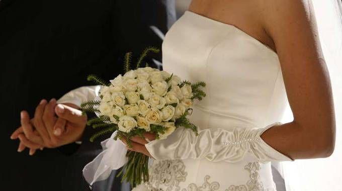 Matrimonio In Rissa Piacenza : Bologna matrimonio con rissa tra il testimone e lo sposo