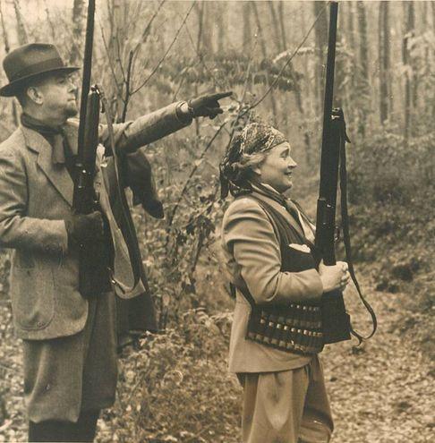 Donna Rachele Guidi Mussolini ad una battuta di caccia