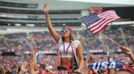I tifosi americani assistono a Usa-Belgio (Afp)