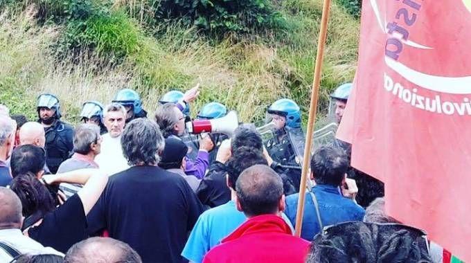 Polizia interviene a San Colombano nel Bresciano (Twitter)