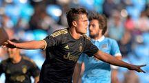 Favilli esulta dopo il gol segnato al Manchester City