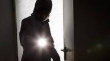 Un ladro in casa (foto archivio)