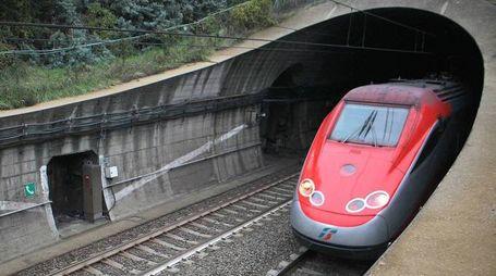 Treno in galleria