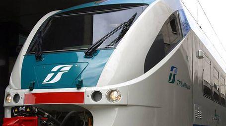 Un treno regionale (Foto di repertorio LaPresse)