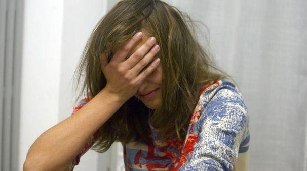 Una ragazza violentata (foto repertorio)