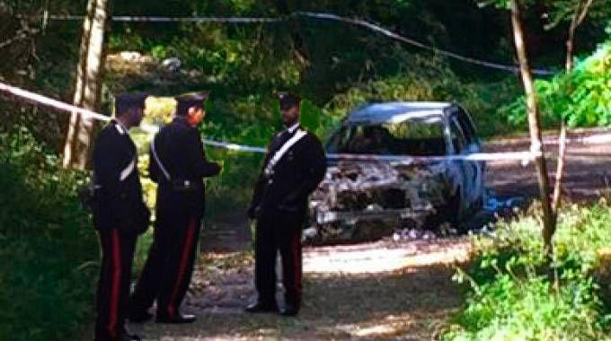Il luogo del ritrovamento della vettura data alle fiamme (De Pascale)