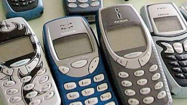 Alcuni vecchi modelli di cellulari Nokia