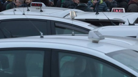 Taxi a Firenze (New Press Photo)