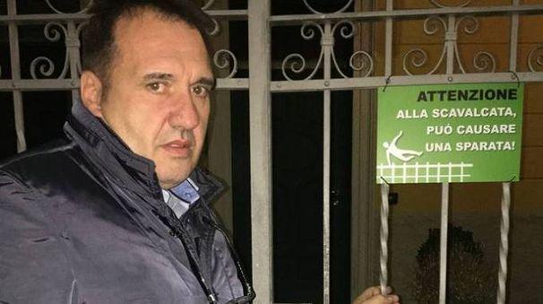 Giorgio Buffoli  e il sarcastico cartello anti-ladri
