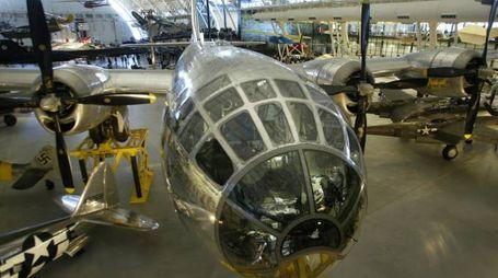 L'Enola Gay che sganciò la prima bomba atomica (Ansa)