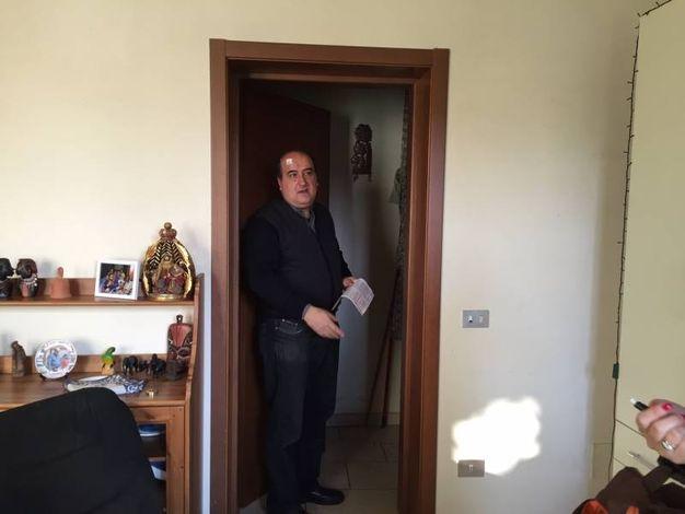 Prato: Don Massimo Malinconi, il Prato: Don Massimo Malinconi, il parroco di S. Pietro a Mezzana aggredito e rapinato nella notte di Natale. I banditi hanno portato via le offerte per le missioni