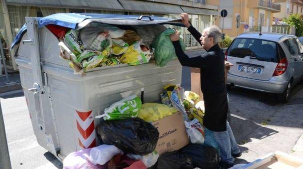 Raccolta rifiuti (foto Umicini)