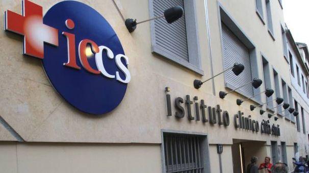 L'ingresso della Clinica Città Studi (Newpress)