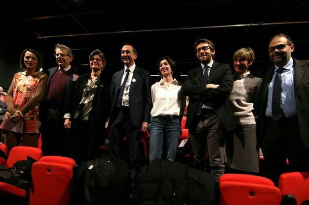 Giuseppe Sala incontra i cittadini insieme ad alcuni assessori della Giunta Pisapia che salgono con lui sul palco