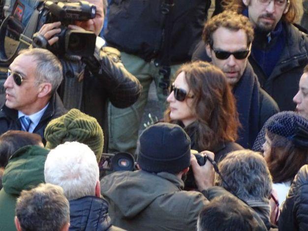Federico Fiorentini, il fidanzato di Ashley Olsen fuori dalla basilica di Santo Spirito (Gianluca Moggi/NewPressPhoto)