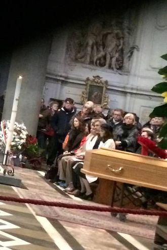 Il funerale di Ashley Olsen nella basilica di Santo Spirito (NewPressPhoto)