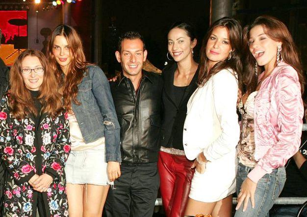 Da sinistra: Nicoletta Mantovani, Nina Moric, Matteo Cambi, Arianna Marchetti, Alessia Fabiani e Aida Yespica (Foto Fiocchi)