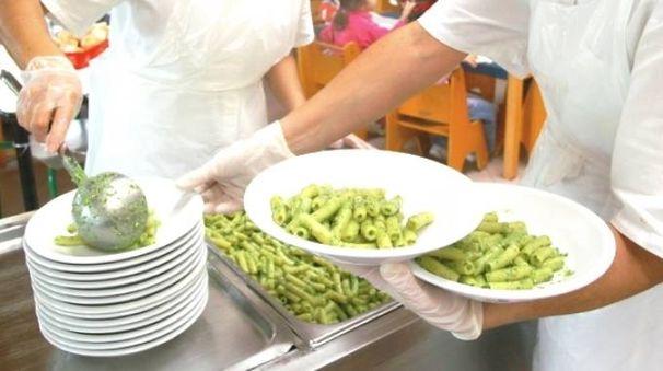Nelle mense scolastiche di Bologna da febbraio sarà possibile scegliere un menù interamente vegano (Foto Dire)