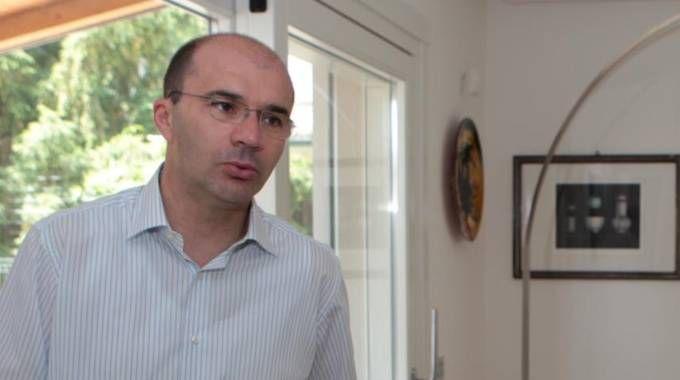 Il sindaco Luca Vecchi al centro della bufera sullk'acquisto della sua casa