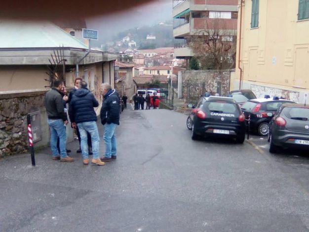 Carabiniere ucciso sulla soglia di casa a Carrara