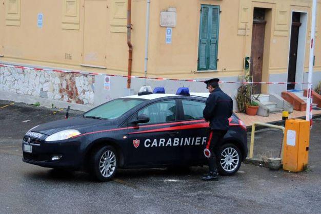 Carabiniere ucciso sulla soglia di casa a Carrara (Foto Lapresse)