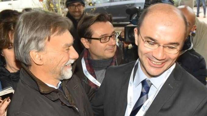 Il ministro Delrio e il sindaco Vecchi (foto Artioli)
