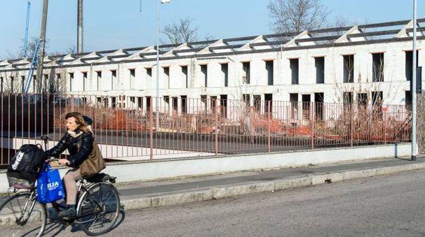 L'azienda che avrebbe dovuto realizzare i 16 alloggi in via Cadorna è fallita