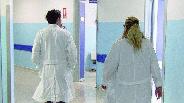 12 gennaio 2016 - (Grosseto) Una ragazza di 22 anni, grossetana, iscritta all'Università di Bologna, è ricoverata in gravi condizioni all'ospedale Sant'Orsola del capoluogo emiliano per una meningite di tipo B