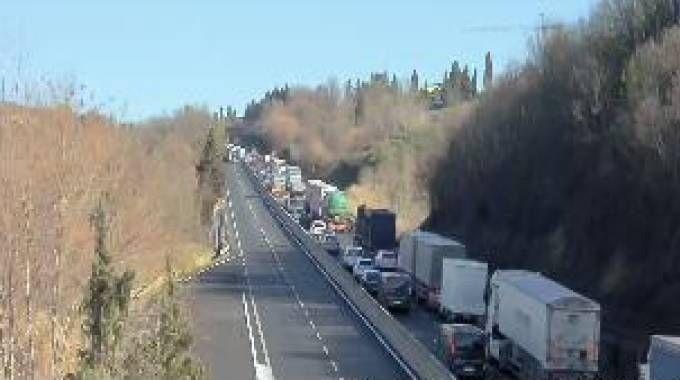 La coda in Fipili (webcam Autostrade)