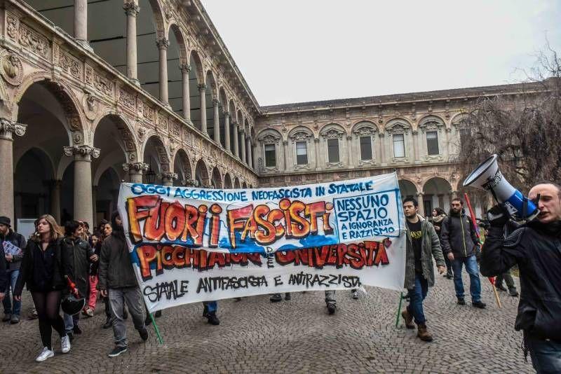 Corteo dei centri sociali dopo l'aggressione contro gli studenti universitari da parte di un gruppo fascista (Newpress)