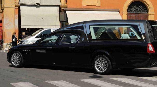 Funerale (foto d'archivio)