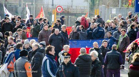 Manifestazione Kme a Fornaci (foto Borghesi)