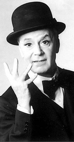 Addio a Paolo Poli, irriverente e geniale attore di teatro (Niccoli F)