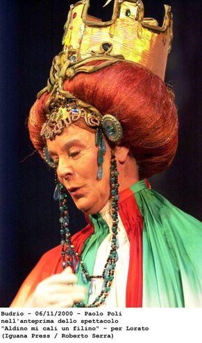 Addio a Paolo Poli, irriverente e geniale attore di teatro (Serra)