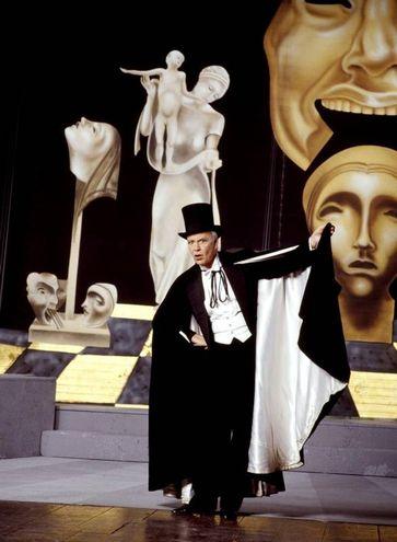 Addio a Paolo Poli, irriverente e geniale attore di teatro (radogna)