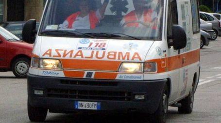 Un'ambulanza del 118 (foto d'archivio)