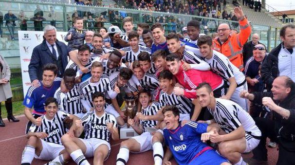 Viareggio Cup, l'esultanza della Juventus (Foto Umicini)