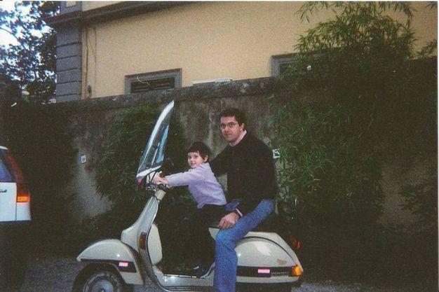 La mia Vespa Px del 1982. Con mia figlia Fiammetta da piccola e oggi (da Giovanni Nesta)