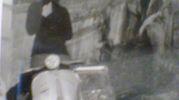 22 febbraio 1972, Lucia e Francesca a Firenze su una Vespa 50