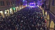 La piazza di Correggio piena per il concerto di De Gregori (Foto di Alba Piazza)