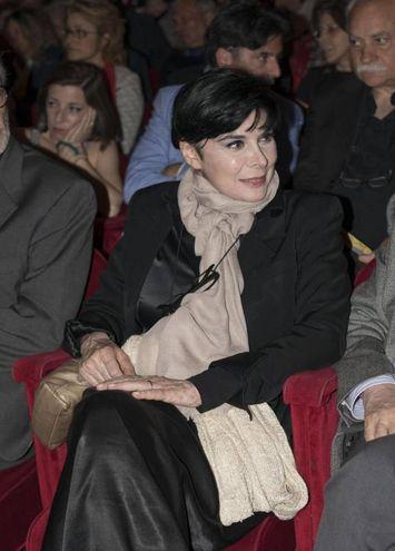 L'omaggio a Giorgio Albertazzi al teatro Argentina di Roma: Mariangela D'Abbraccio (foto Ansa)