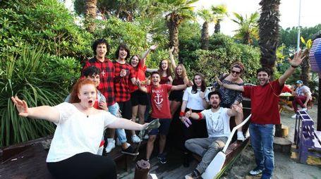 Pinarella, i giovani in discoteca con i vescovi (Foto Zani)