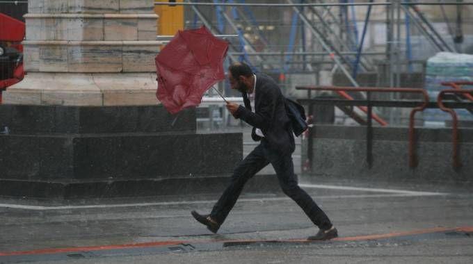 Maltempo in Lombardia, forte temporale a Milano (Newpresse)