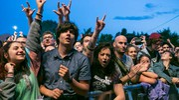 Il concerto degli Offspring al Rimini Park Rock: fan in delirio (Foto Petrangeli)