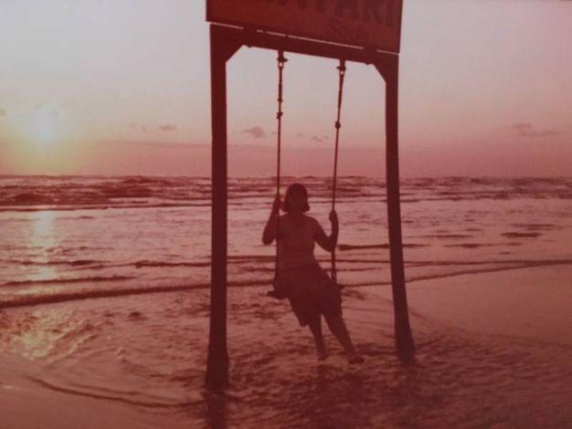 I giochi al mare di tanti anni fa le foto dei lettori cronaca - Bagno 81 rimini ...